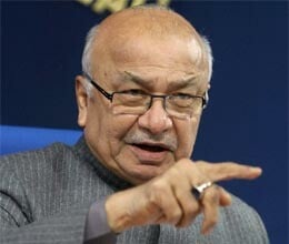 shinde expresses regret on hindu terror remark