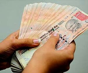 RBI asks public to start exchanging pre 2005 currency notes