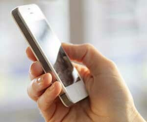 late night use of smartphone can harm productivity