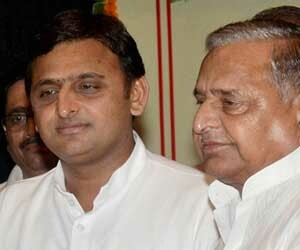 akhilesh yadav comment on mp government