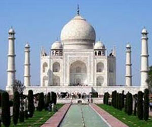 Now, pay Rs 5000 to visit Taj Mahal on Fridays