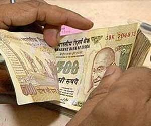 four lakh fifty thousand withdrawl  from accounts  with fake Sign