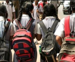 heavy school bags gives pain to children