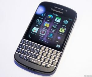 Constable demands BlackBerry phone as bribe