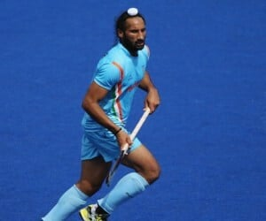 sardar singh banned for semifinal match_sv