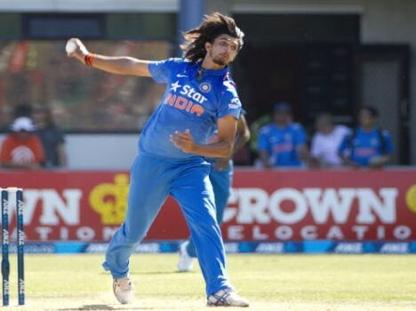 former indian crickters critcise to ishant sharma