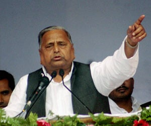 mulayam attacks modi in speech