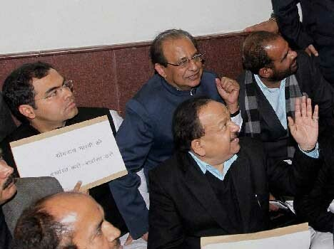 delhi highcourt imposes penalty on harsh Vardhan and naseeb singh