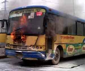 fire in running bus of up roadways