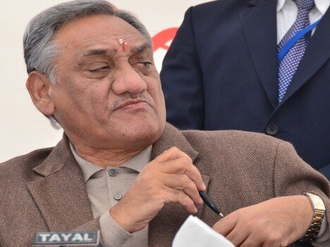 cm vijay bahuguna will resign from his post