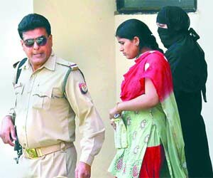 Hina Khan accepts, she is the killer of SP leader Anil Yadav