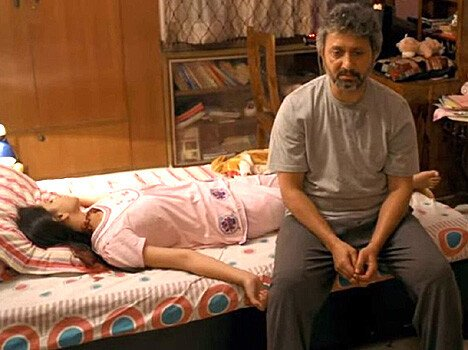 film review talvar, irfan khan and konkna sen sharma's movie on arushi murder case