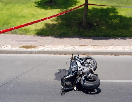 bike accident in chandigarh, punjab university employee dead