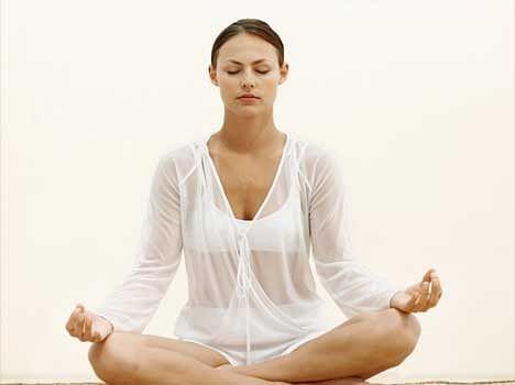 Benefits Of Om Chanting - ओम मंत्र जप करने के